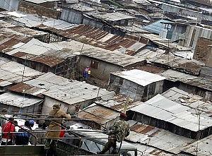 Nairobi, esplode un oleodotto oltre 100 morti nella bidonville