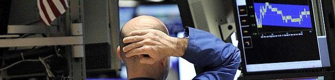 """Italia declassata . Borse in calo,  vola  lo spread    Berlusconi: """" Colpa dei media , realtà è diversa"""""""
