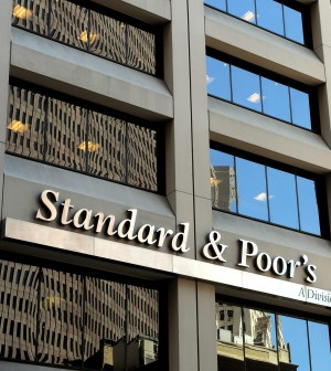 S&P taglia il rating di sette banche italiane outlook negativo per 15 istituti di credito