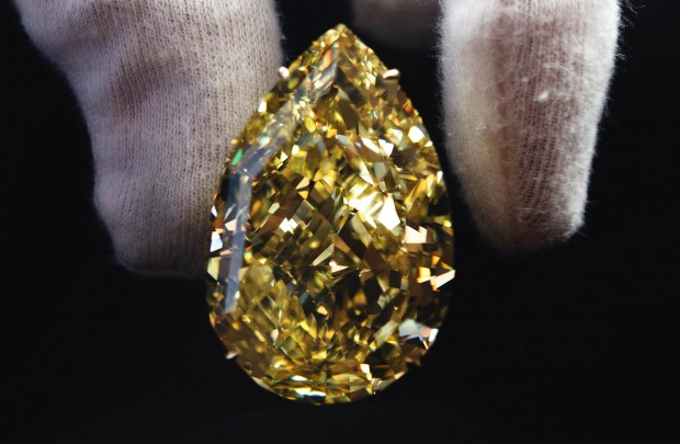 Foto Allasta il diamante giallo pi grande del mondo  1