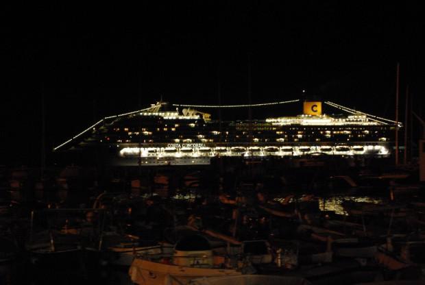 Les photos des lecteurs de La republica, qui montrent les navires de la compagnie Costa Croisières partiquant l'Inchino