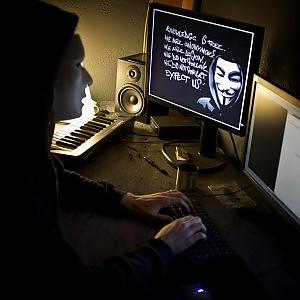"""Symantec beffata dagli hacker """"50mila dollari per il vostro codice"""""""