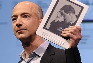 Anche Jeff Bezos verso gli abissi vuol recuperare i motori dell'Apollo 11