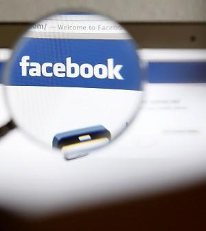Facebook, doccia fredda sui mercati Nel primo giorno a Wall Street perde l'11%