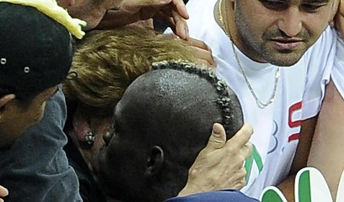 """Supermario e l'abbraccio alla madre L'eterno """"Viva la mamma"""" del Belpaese"""