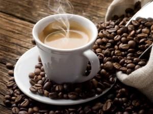 Caffè assolto: non favorisce malattie il guaio è che rischia l'estinzione