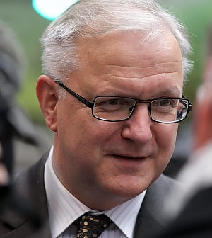 """Rehn: """"Berlusconi bloccò la crescita Non mantenne gli impegni con l'Ue"""""""