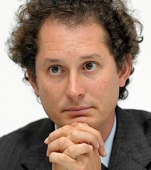 Fiat rastrella i diritti Rcs. Sale al 20% Le mani degli Agnelli sul Corriere della Sera