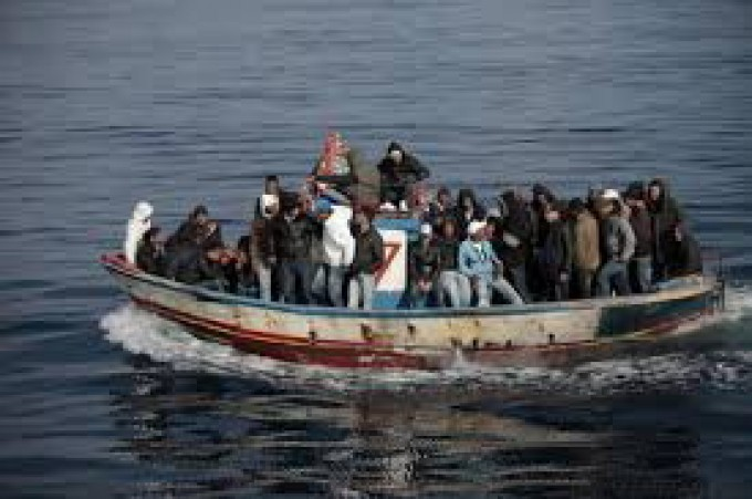 "Lampedusa, profughi in rivolta ""No alle impronte digitali"""