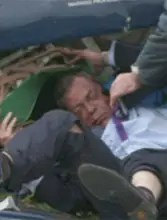Nigel Farage tras el accidente de su avioneta en 2010