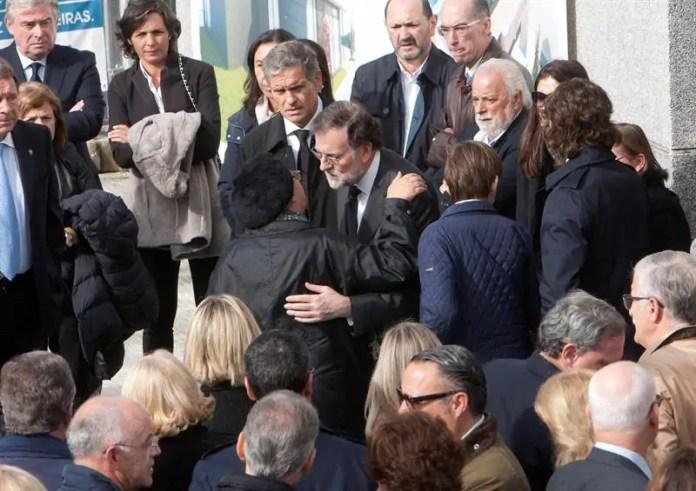 Resultado de imagen para Fotos de Rajoy en la capilla ardiente de Rubalcaba