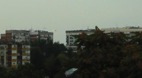 МиГ 21 у пламену изнад града