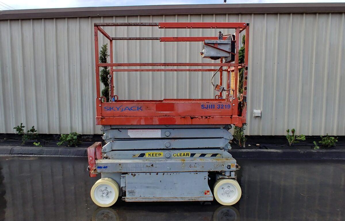 Skyjack SJ111-3219 Scissor Lift – ReQuip