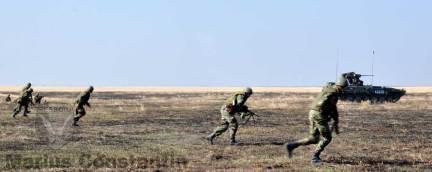 """Salt inainte! (Batalionul 300 Infanterie Mecanizata """"Sfantul Andrei"""")"""