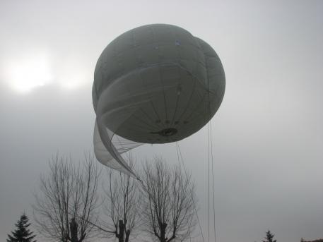 Aerostat de supraveghere ACTTM sursa Romani libera