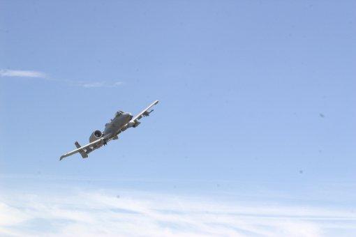 A-10 Thunderbolt II pe cerul dobrogean