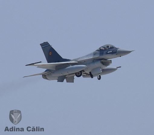 f-16-roaf-zbor-demonstrativ-5