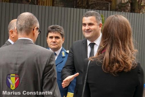 Sosirea la eveniment a ministrului Apararii National Gabriel Les