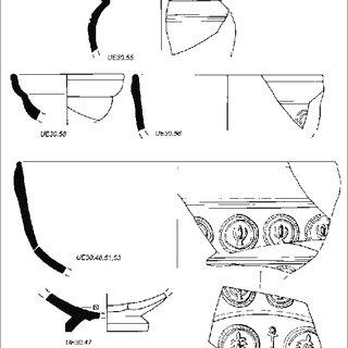 Detalle del hypocaustum . Arriba tégula mammata in situ