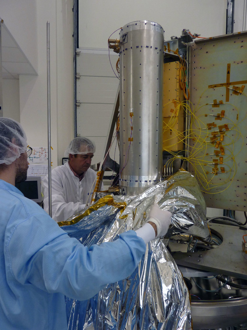 hight resolution of 29 vertically positioned pharao cesium tube before being wrapped by a thermal blanket and out