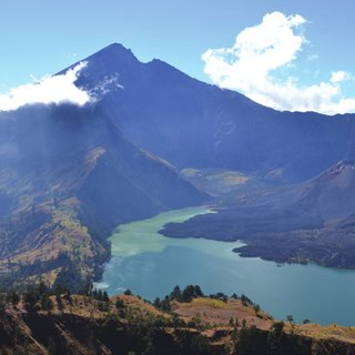 (PDF) In Search of Holy Water: Hindu Pilgrimage to Gunung ...