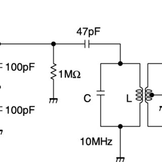 Clapp oscillator circuit for supplying the power to 4×4
