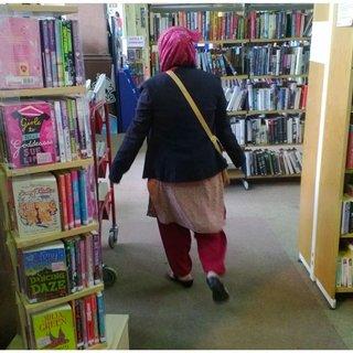 Elham non è certo la ragazza iraniana che ci si immagina: 7969 Pdfs Review Articles In Muslim Women