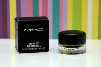 Resenha: Delineador em gel Fluidline Blacktrack da MAC
