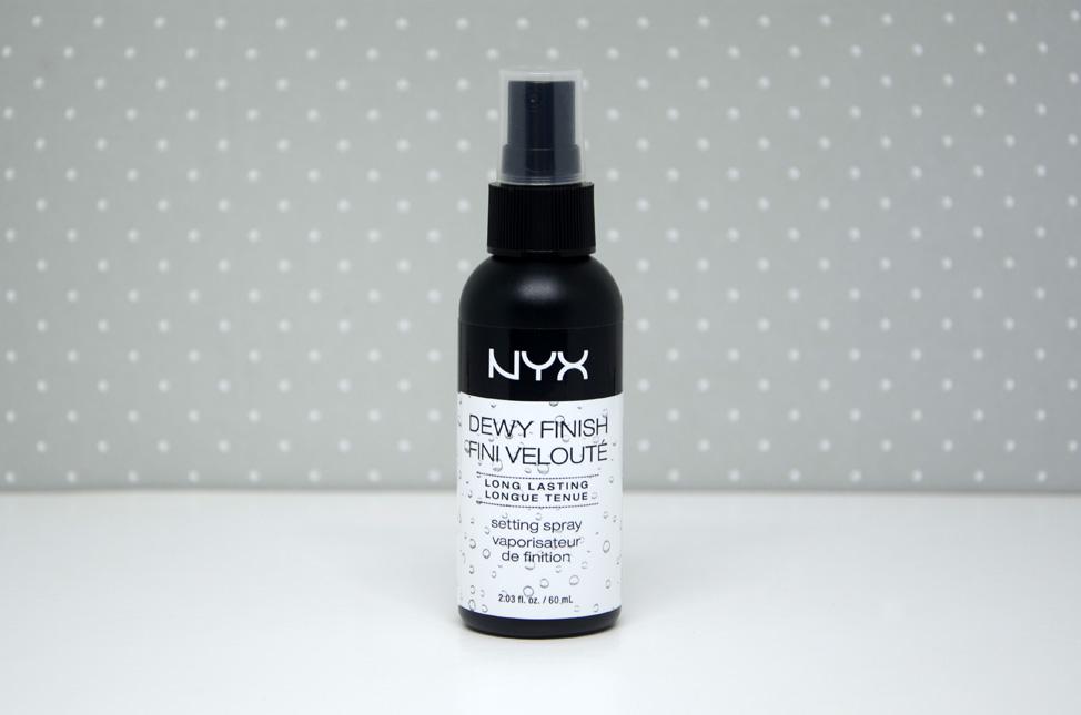 Fixador de maquiagem Dewy Finish Fini Velouté Nyx
