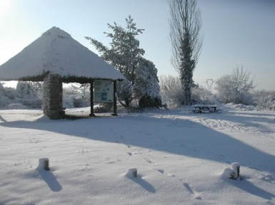 Aire d'accueil sous la neige RNN pinail