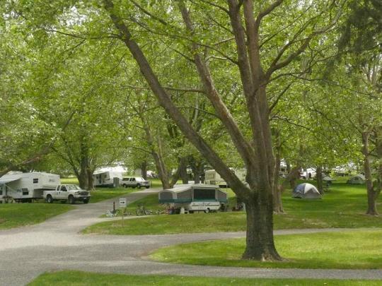 Camping at FISHHOOK PARK WA