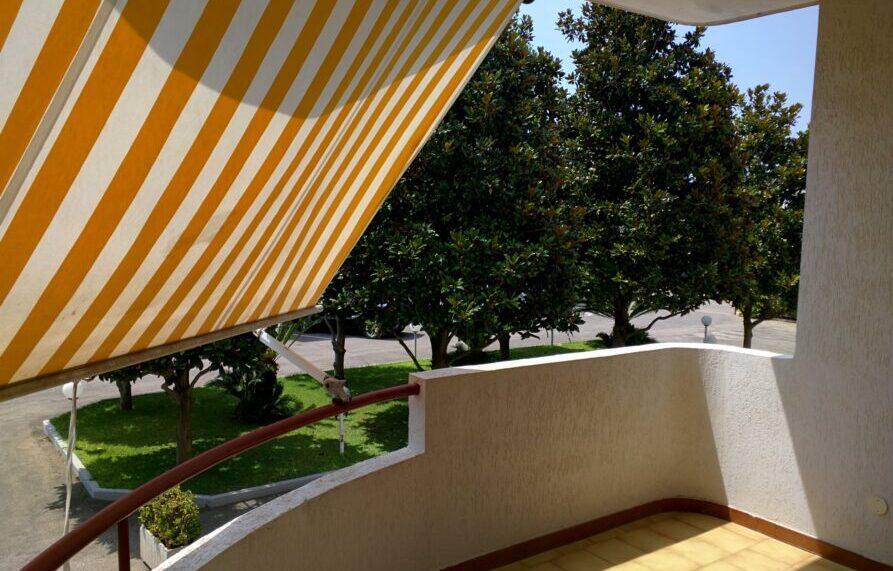 Appartamento Trilocale Terrazzo abitabile con tenda da sole
