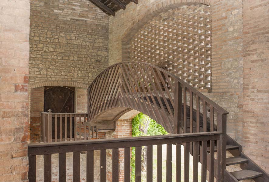 CASALE LA COLOMBARA  Antico casale Loc Scartassini CastellArquato Piacenza Emilia Romagna
