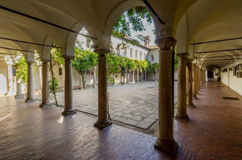 I CHIOSTRI DI SAN BARNABA  Abbazia Milano Lombardia  Meeting e congressi