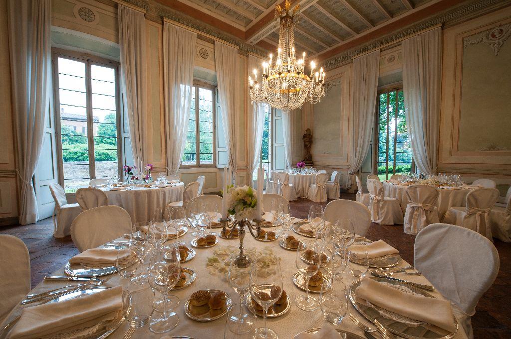 VILLA GAIA GANDINI  Luxury villa Robecco sul Naviglio Milan Lombardy  Meeting and conference