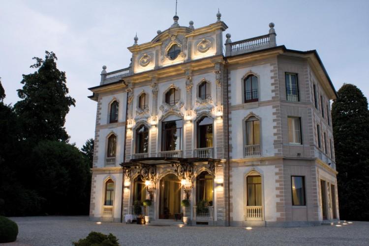 VILLA BORGHI  Villa Varano borghi Varese Lombardia
