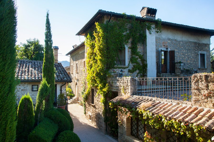 VILLA CICCHI  Residenza depoca Abbazia di Rosara Ascoli