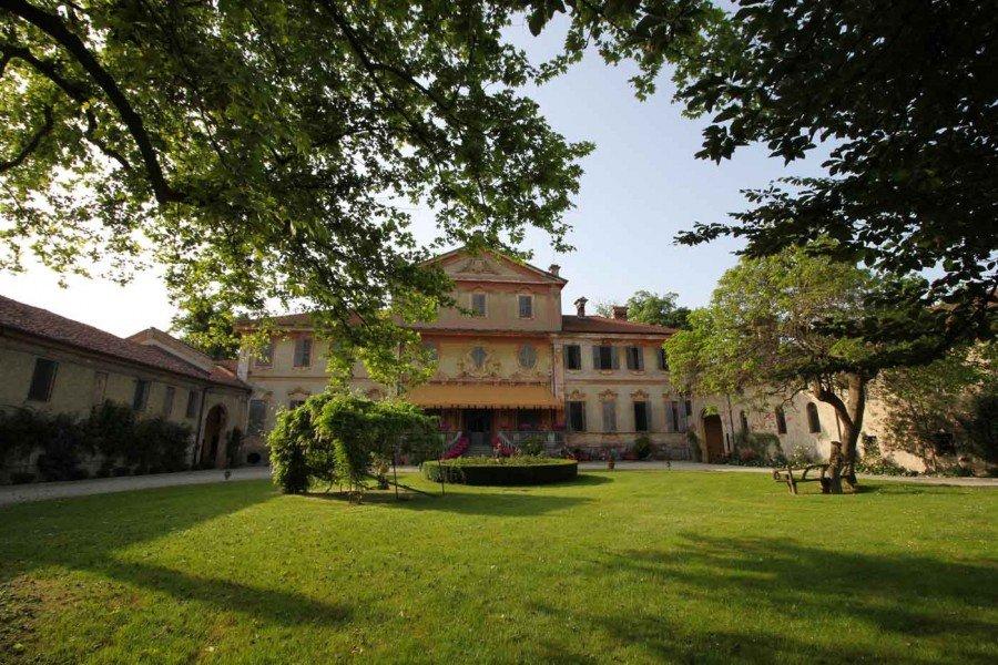 TENUTA BERRONI  Villa Racconigi Cuneo Piemonte