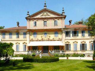 TENUTA BERRONI  Villa Racconigi Cuneo Piemonte  Matrimoni e ricevimenti