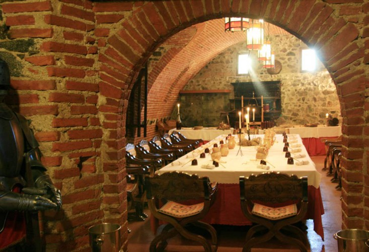 CASTELLO DI PAVONE  Castello Pavone Canavese Torino Piemonte  Meeting e congressi