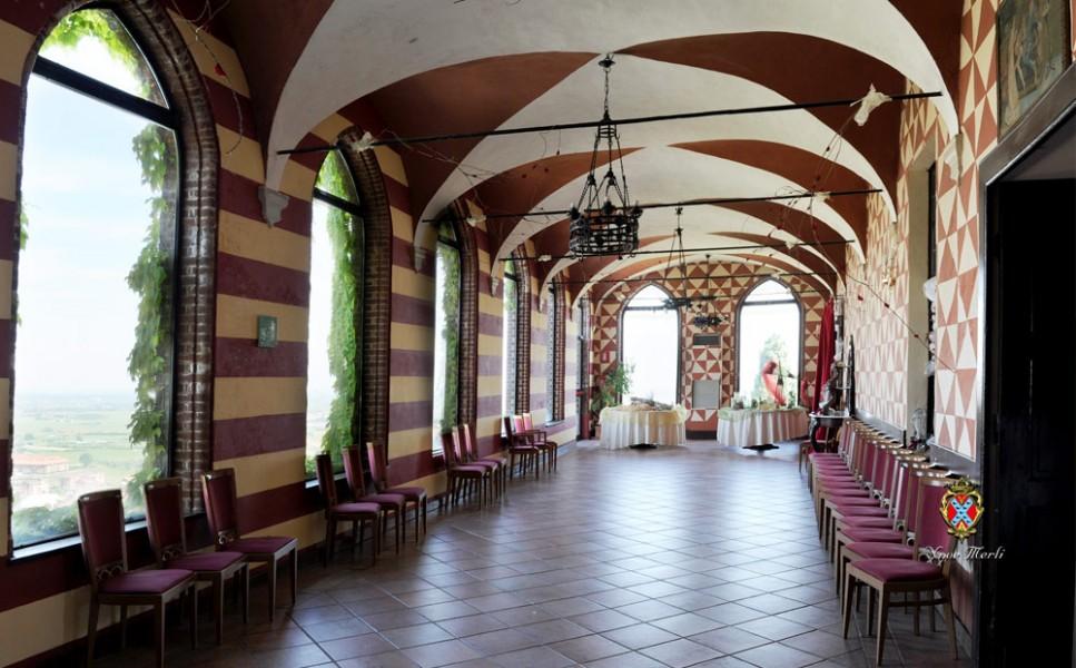 CASTELLO AI NOVE MERLI  Castello Piossasco Torino