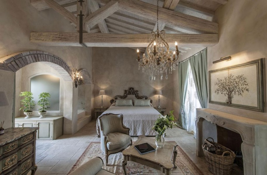 BORGO SANTO PIETRO  Antico casale Chiusdino Siena