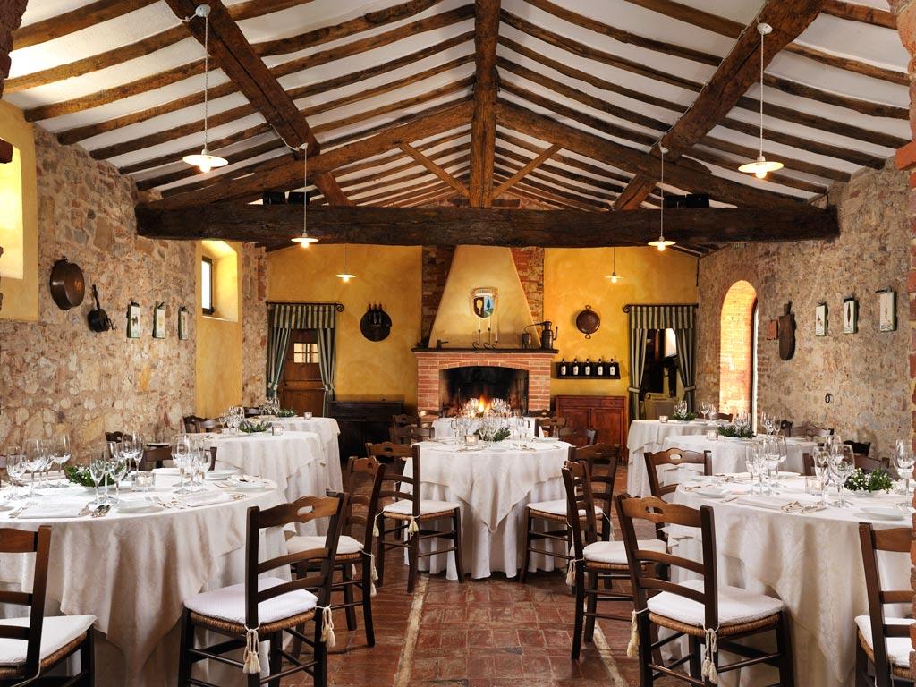 BORGO CASABIANCA  Borgo medievale Asciano Siena Toscana  Matrimoni e ricevimenti