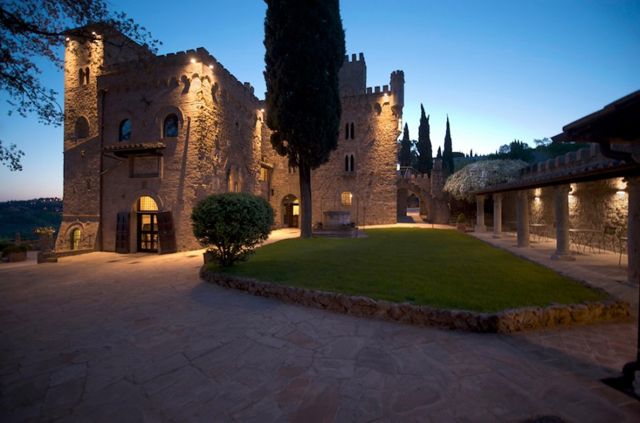 CASTELLO DI MONTERONE  Castello Perugia Umbria  Vacanze e weekend
