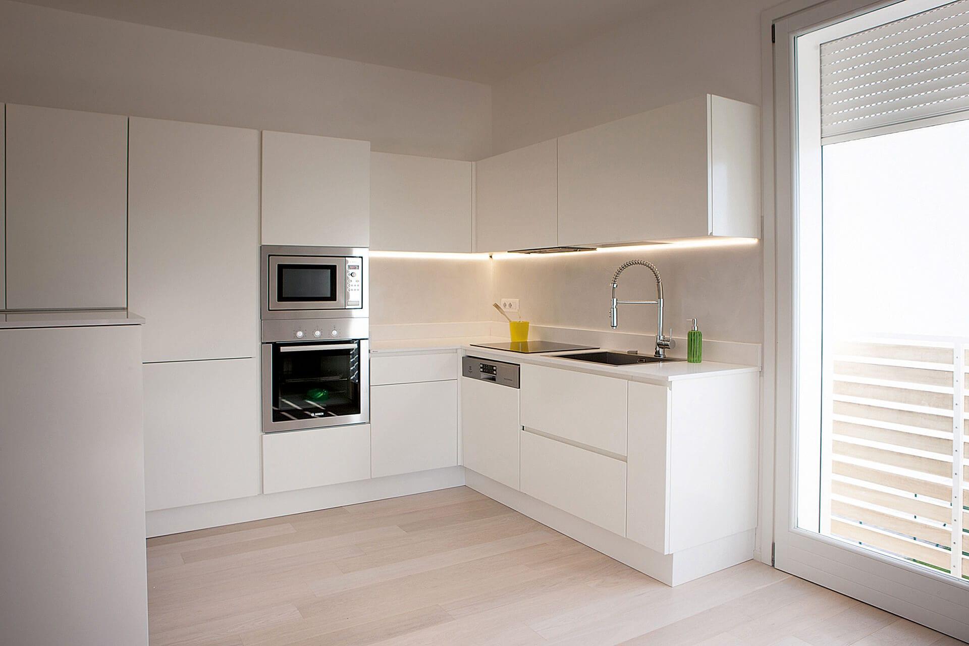 Come posso applicare la resina per pareti? Rivestimento Cucina In Resina Pareti In Resina Resingroup
