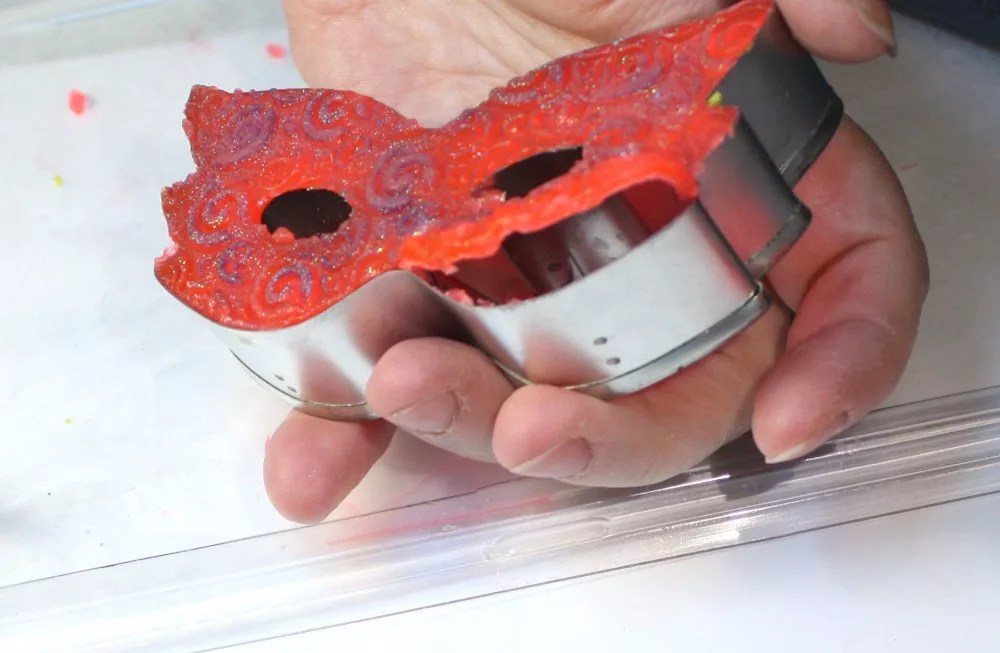 unmolding resin from a cookie cutter