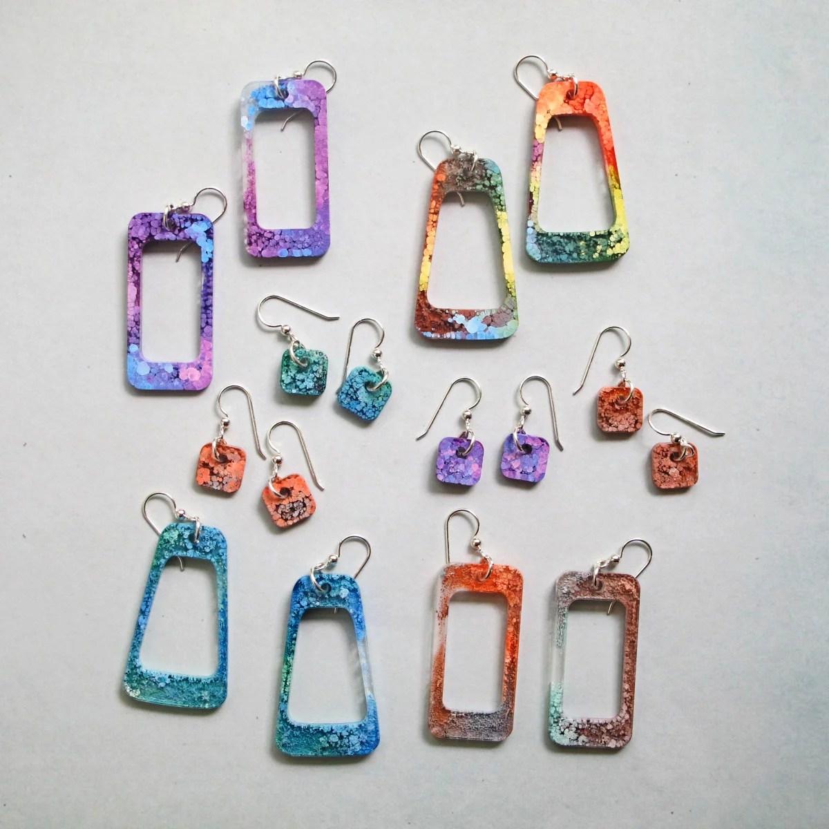 resin petri earrings