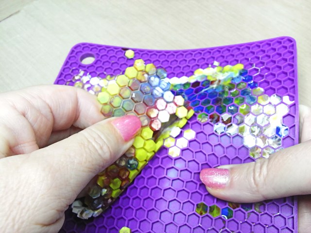 peeling resin pieces from silicone mat