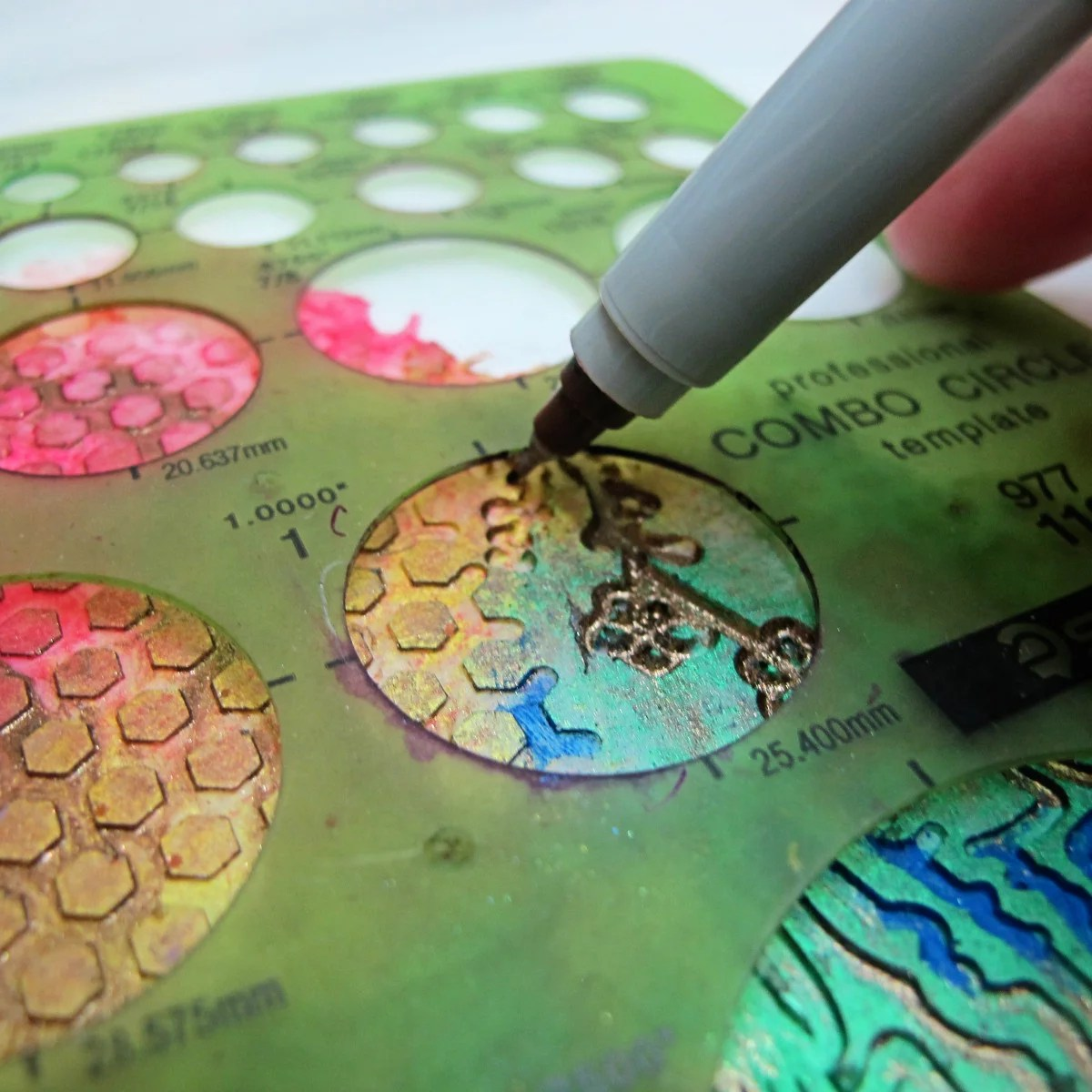 tracing circle onto resin using template