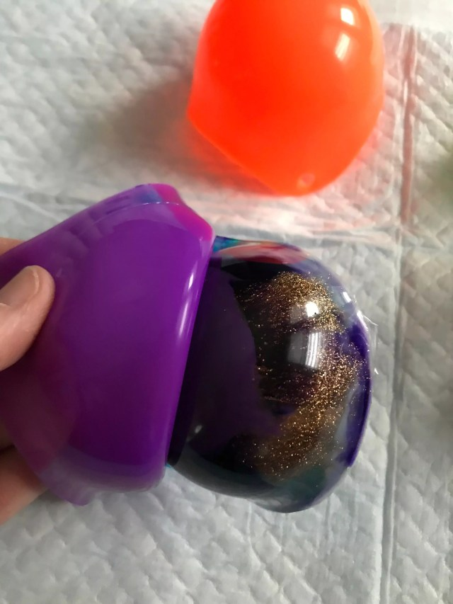 taking resin bowl out of silicone mold